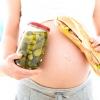 75% Жінок набирають вагу після пологів
