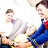 Авіакомпанія найняла 300 стюардес-нянь