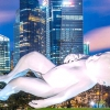 Гігантський семитонний малюк в Сінгапурі