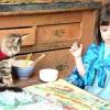 П'ятирічна художниця-аутист Айріс і її кішка тула