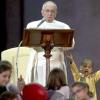 Шестирічний хлопчик подружився з папою римським