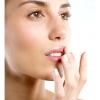 Догляд за губами в домашніх умовах