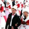 У масовій весіллі в Бішкеку брало участь 50 пар