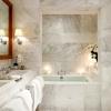 Чудові ванні кімнати в мармурі