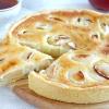Яблучний пиріг з карамельним кремом