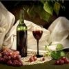 Вчені порівняли келих червоного вина зі спортом